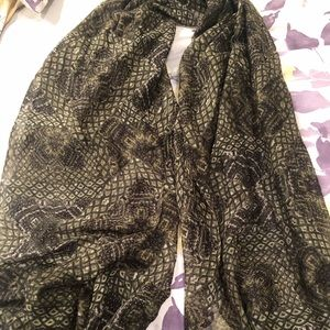 Emerald Green Patterned Scarf